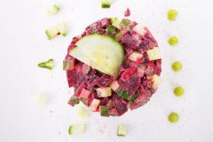 Rode bietentartaar met komkommer