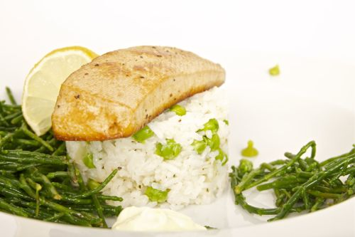Zeekraal met gemarineerde tofu en rijstsalade